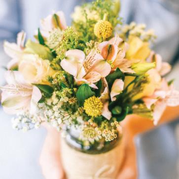 Petite Jar/Bouquet: Rustic Barn